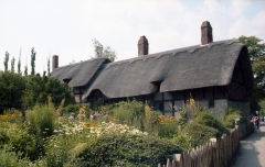 shakespeare-cottage-1